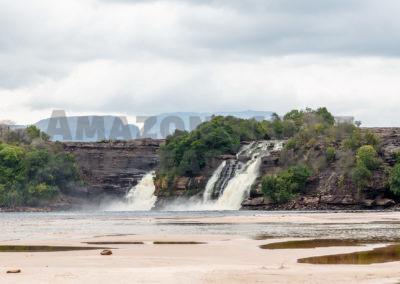 Canaima Lagune mit den Saltos Wadaimo, Golondrina und Ucrima